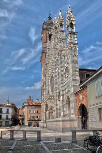 FACCIATA - Monza (869 clic)