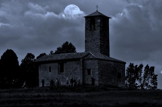EFFETTO CHIARO DI LUNA - Garbagnate monastero (1108 clic)