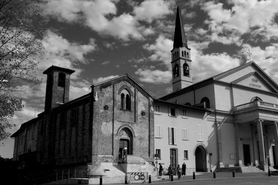 LA CHIESA ROMANICA DI SANTO STEFANO - Lentate sul seveso (664 clic)