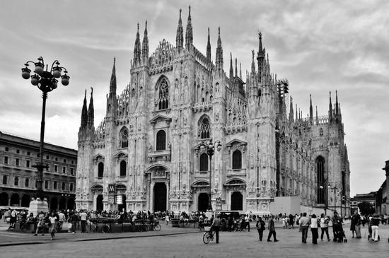 IL DUOMO DI MILANO  (8308 clic)