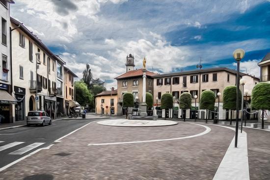 PIAZZA ROMA COME DIPINTA - Giussano (3520 clic)