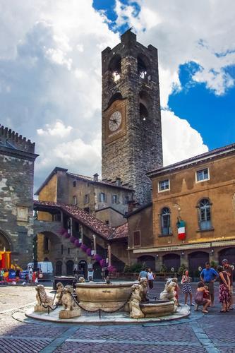 PIAZZA VECCHIA - Bergamo (1370 clic)