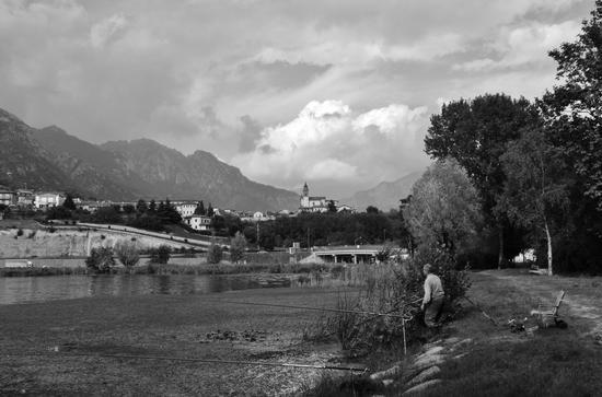PESCANDO AD ISELLA - Civate (1284 clic)