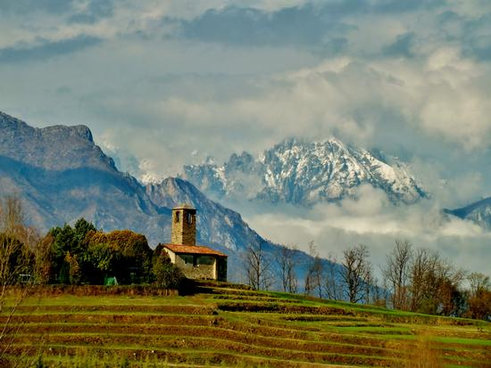 LA CHIESETTA ROMANICA - Garbagnate monastero (3773 clic)