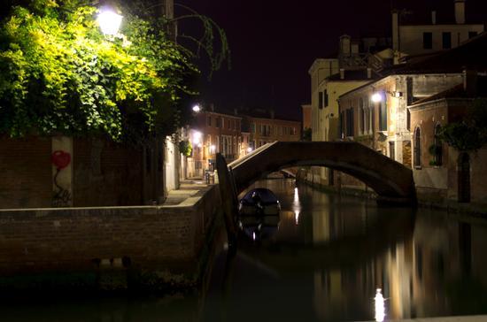 rio delle femene di notte - VENEZIA - inserita il 27-Dec-12