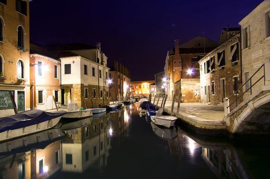 vagando per venezia di notte (4734 clic)