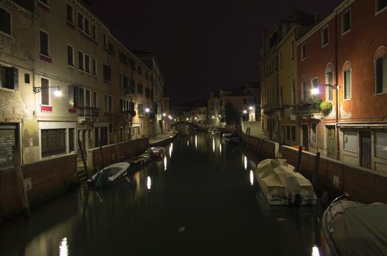 vagando per venezia di notte (1117 clic)