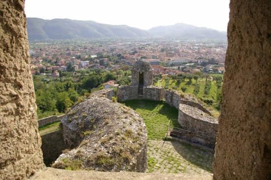 Vista su Sarzana dalla fortezza di Sarzanello (4249 clic)