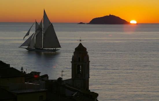 Barca al tramonto Tellaro (9736 clic)