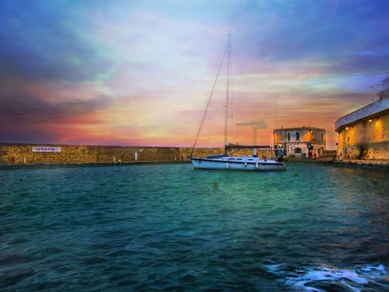 Il riposo del veliero - Tricase porto (3165 clic)