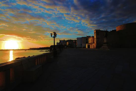 L'alba dei popoli - Otranto (1062 clic)
