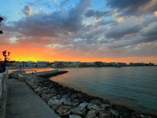 L'acqua e il fuoco - Otranto (1219 clic)