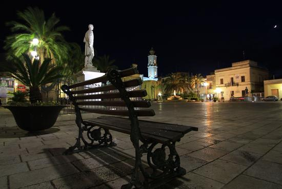 Piazza Castromediano - Cavallino (1177 clic)