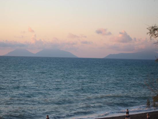 Le Eolie al tramonto - Capo calavà (1431 clic)