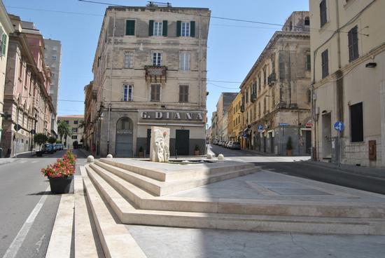 Fontana in largo Brigatta Sassari (1632 clic)