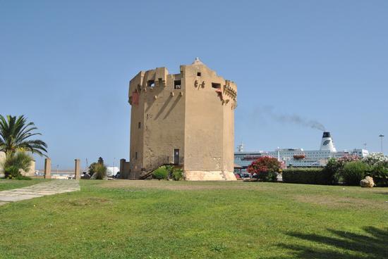 E la sentinellla del Porto - Porto torres (2673 clic)