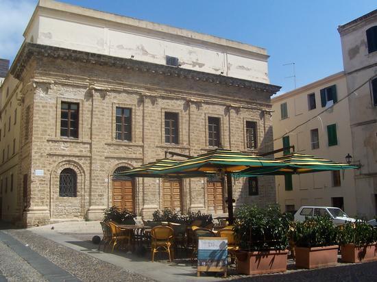 Piazza V. Emmanuele - Alghero (990 clic)