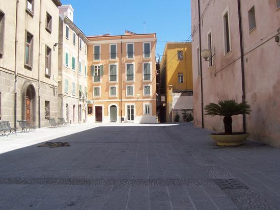 Indisturbato in Piazza - Sassari (1033 clic)