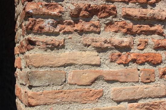 Muro in pietra a Comacchio (1316 clic)
