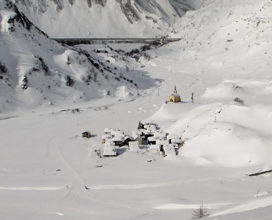 La neve e il sole - Formazza (981 clic)