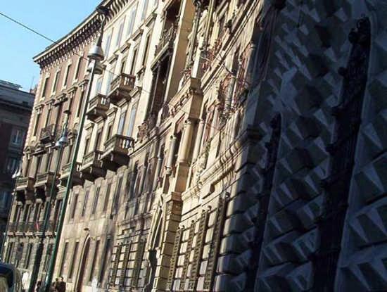dintorni castello - Milano (2424 clic)