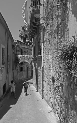 I giochi di strada  - Modica (1384 clic)