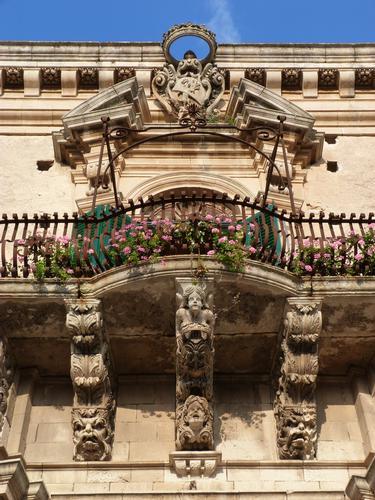 Palazzo Napolino-Tommasi Rosso: Balcone nobiliare   - Modica (2394 clic)