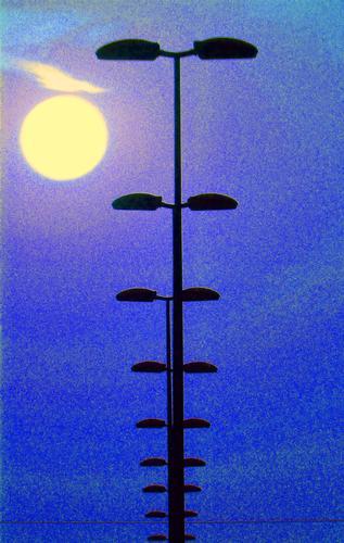 Lampioni all'imbrunire - Marina di modica (2115 clic)
