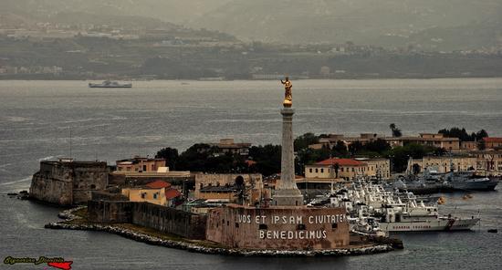 Madonna della Lettera, Stretto di Messina (1860 clic)