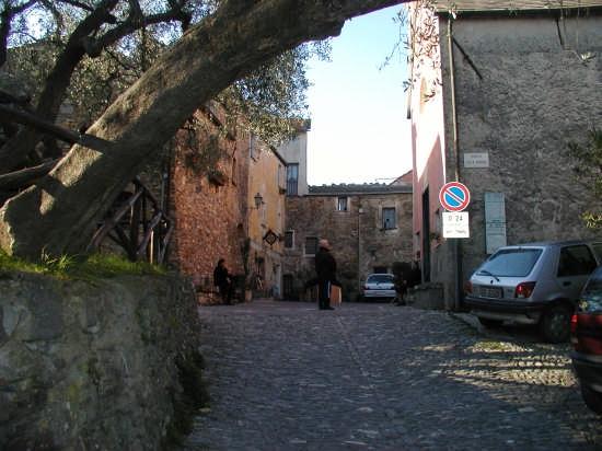 BORGO DI COLLA MICCHERI - Andora (4652 clic)