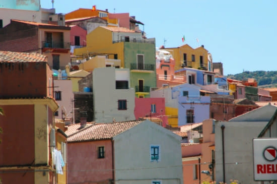 Domos coloradas - Bosa (5831 clic)