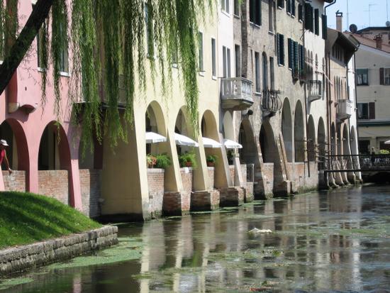 riflessi sul canale - Treviso (1088 clic)