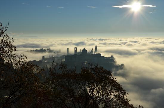 La città tra le nuvole - Bergamo (1463 clic)
