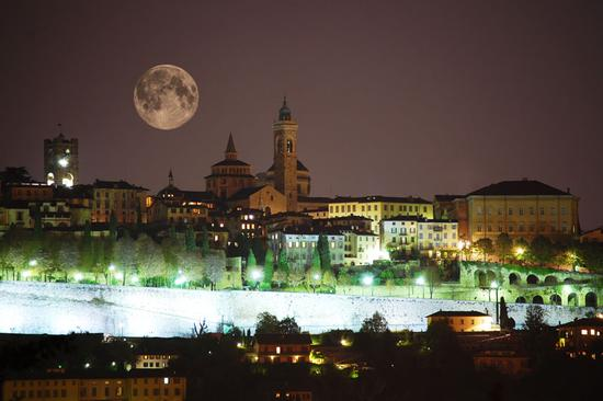 Uno spettacolo raro. - Bergamo (3546 clic)