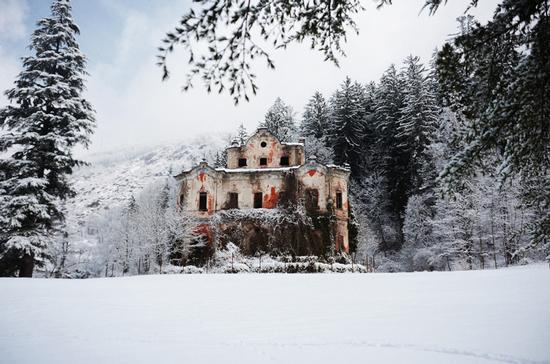 La villa delle streghe, a Bindo - Primaluna (2211 clic)