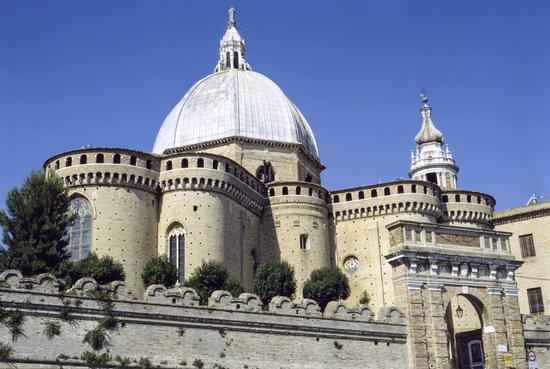 Basilica della Santa Casa - LORETO - inserita il 23-Jun-14