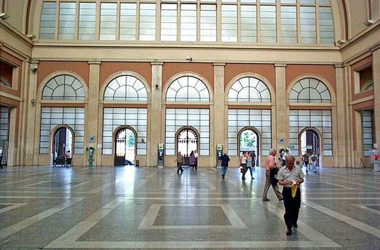 Stazione Torino Porta Nuova | TORINO | Fotografia di AA VV - Immagini Repertorio