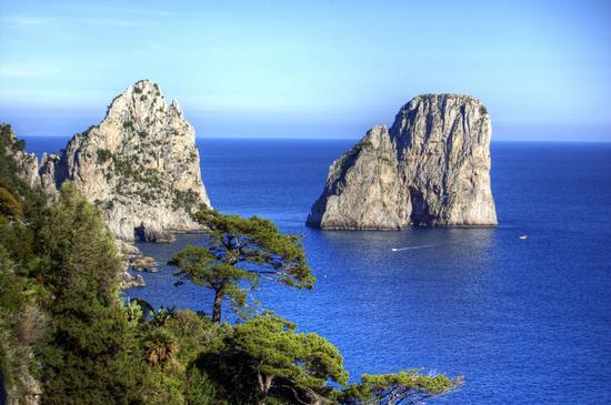 I Faraglioni di Capri (1045 clic)