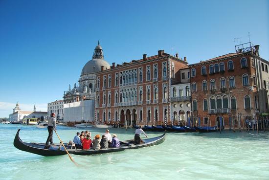 Gondola sul Canal Grande - Venezia (1013 clic)