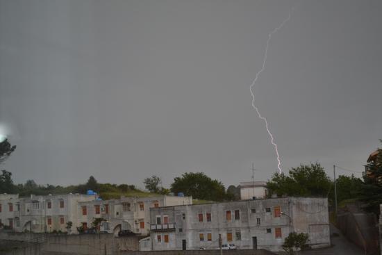 Roccavaldina, aspettando il temporale - Torregrotta (1194 clic)