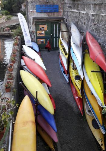 Rimessaggio kayak  - NERVI - inserita il 01-Dec-16