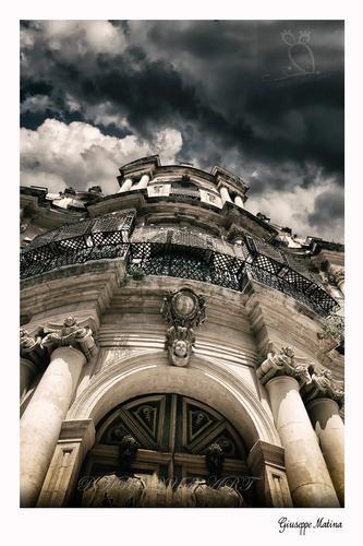 particolare della chiesa di Scicli (370 clic)