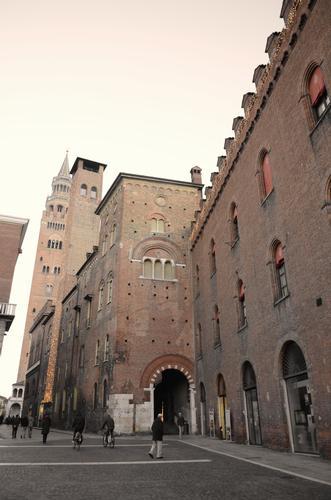 Veduta del Torrazzo - Cremona (726 clic)