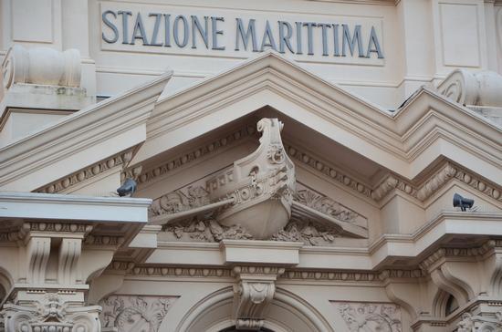Facciata della Stazione Marittima - Genova (1145 clic)
