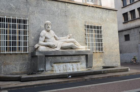 Statua raffigurante il fiume Po - Torino (1086 clic)