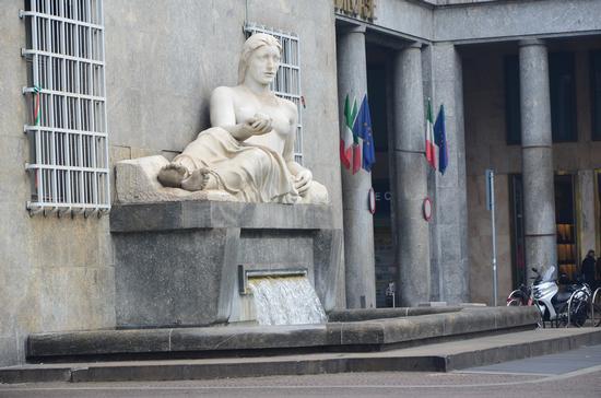 Statua raffigurante il fiume Dora Riparia - Torino (693 clic)
