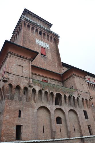 Una facciata del Castello Estense - Ferrara (705 clic)