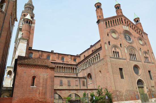 Cremona Il Torrazzo con il Duomo (901 clic)