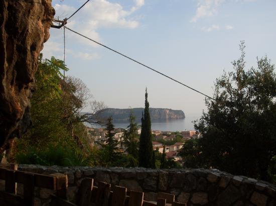 L'Isola di Dino vista dalla Madonna della Grotta di Praia a Mare (827 clic)