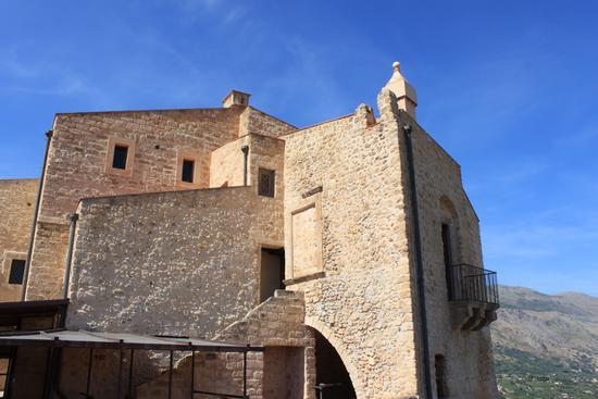 il Castello di Carini (1163 clic)